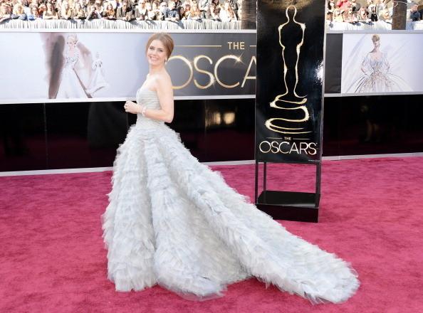 1.Amy Adams Wore Oscar de la Renta