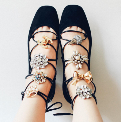 Zapatos con pins